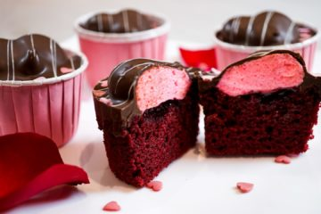 Chocolate and Mallow Heart Cakes